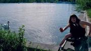 Sommerliche Freizeitgestaltung an einem Berliner Gewässer