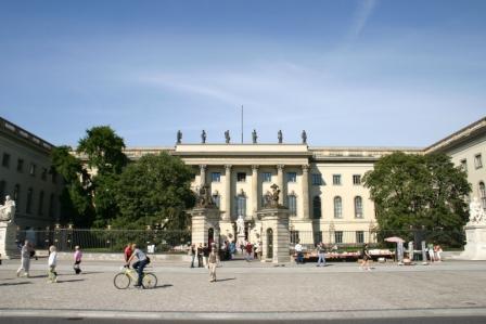 Hauptgebäude der HU Berlin