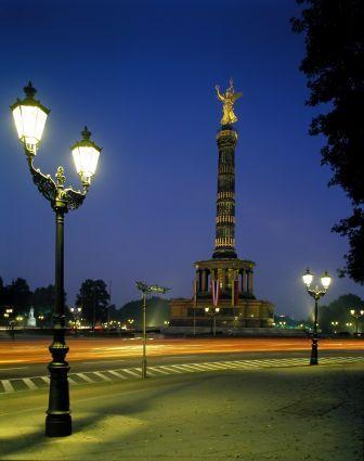 Berlin bei Nacht mir Siegessäule