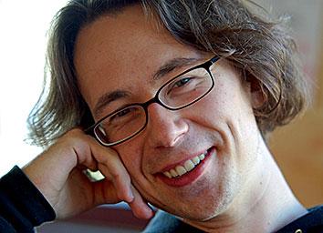 Felix Werdermann studierte Politikwissenschaft und Mathematik in Berlin und Brüssel. Als freier Journalist schreibt er unter anderem für die taz und den Freitag.