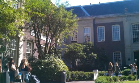Das Hauptgebäude der Universität von Amsterdam.