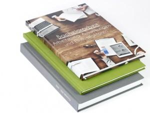 Hardcoverbindungen geben der Bachelorarbeit einen hochwertigen Rahmen.